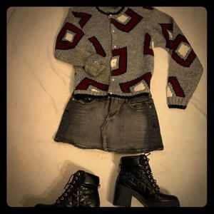 Awesome 90s style outfit! Shoes not included